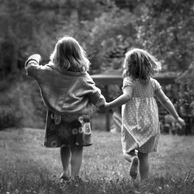 Prendimi la mano e portami lontana..